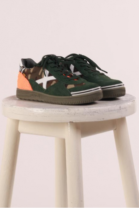 Sneakers met leger print Army