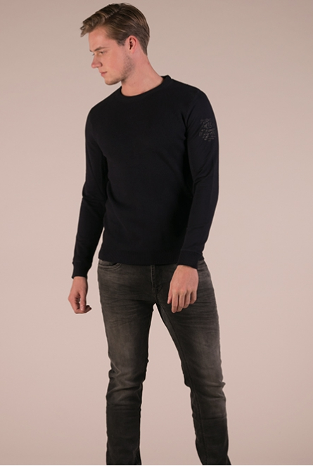 Sweater knitted navy
